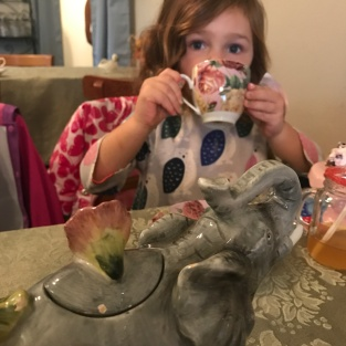 tea-party-julia-sipping
